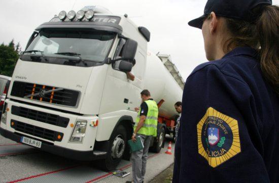 tovornjak, policija