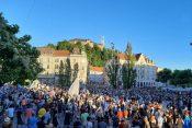 Protestna proslava na Prešernovem trgu