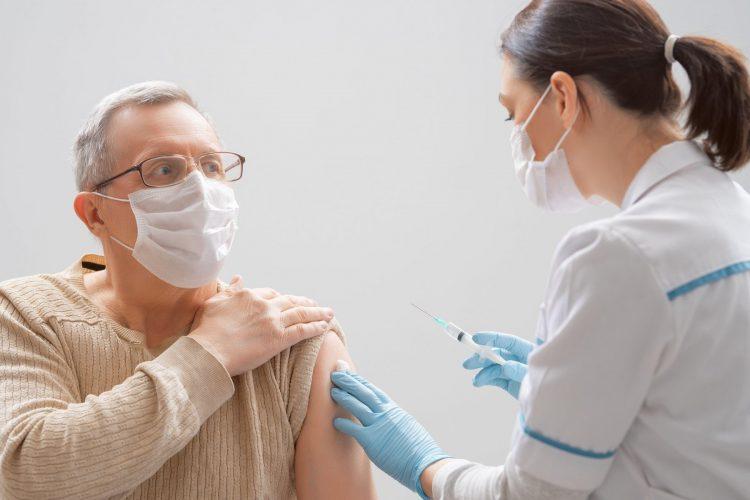 cepljenje starejših proti covidu-19
