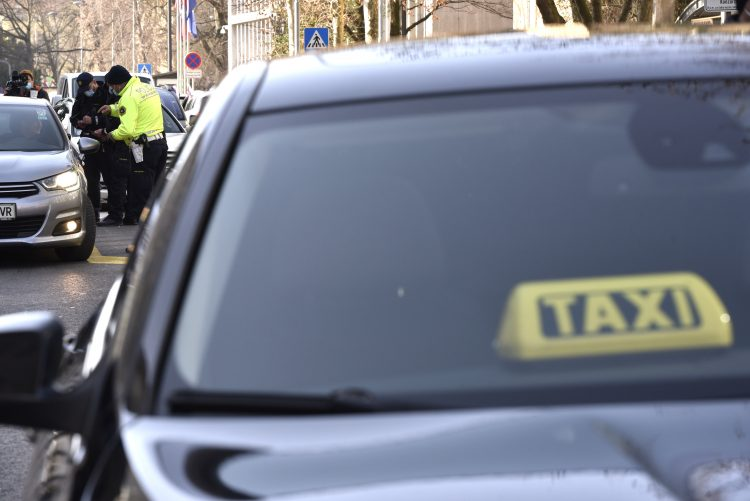 referendum, taksi