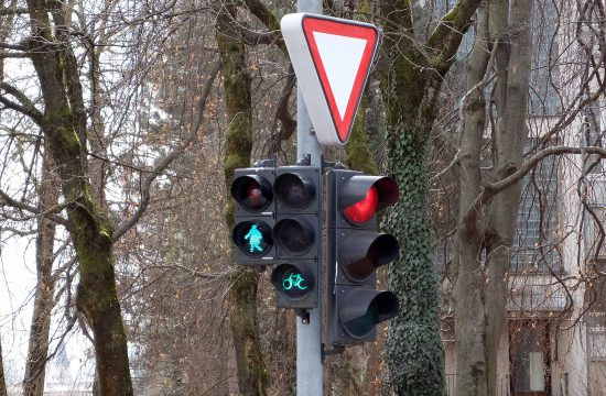 semafor rdeča luč