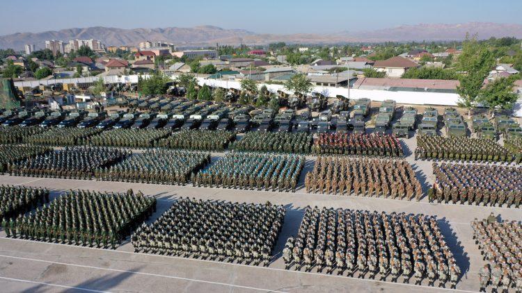 Vojaška parada Tadžikistana