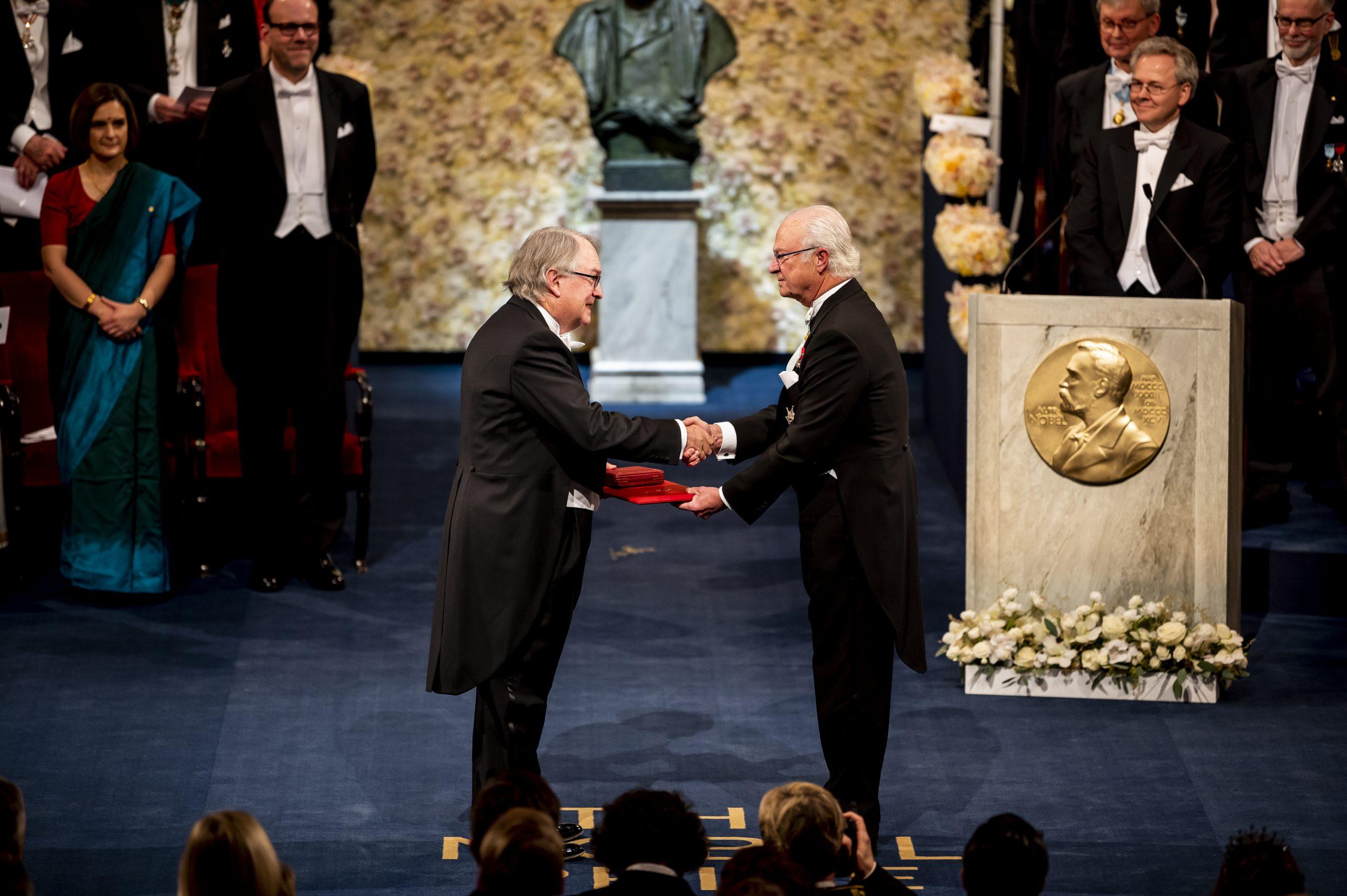 Whittingham na podelitvi Nobelovih nagrad