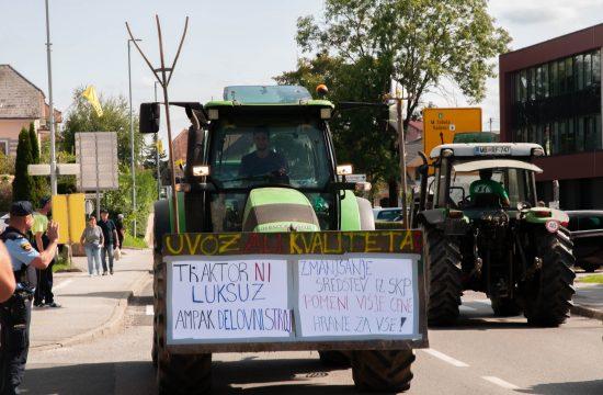 Protest kmetov