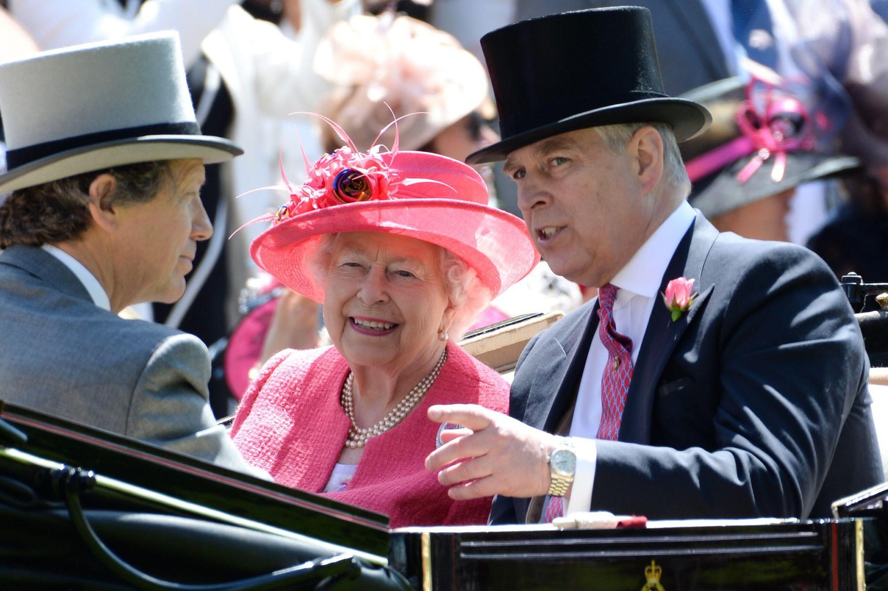 Kraljica Elizabeth in princ Andrew