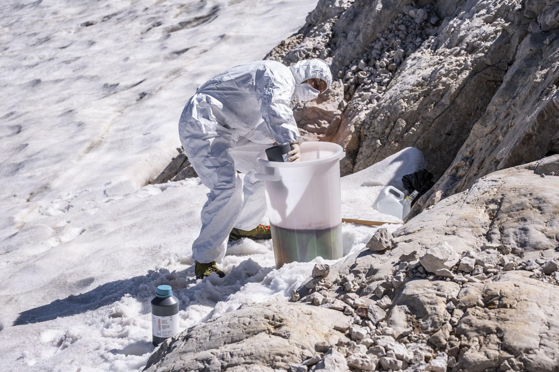 Sledilni poskus na Triglavskem ledeniku