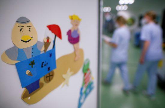 otroci bolnišnica