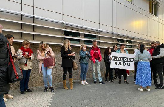 Protest pred UKC v Zagrebu