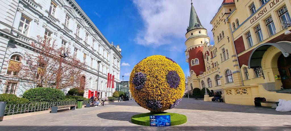 Cvetlična žoga