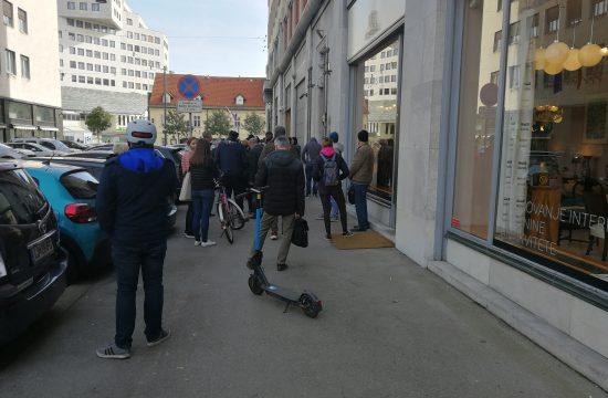 vrsta pred Banko Slovenije